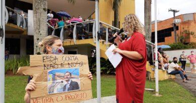 Servidores demonstraram força e união durante a paralisação de hoje e deliberaram por nova assembleia no dia em que o projeto da Reforma da Previdência retornar à Comissão de Legislação