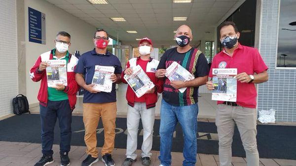 Sindmeta-PE realiza  entrega de informativos nas portas de fábrica