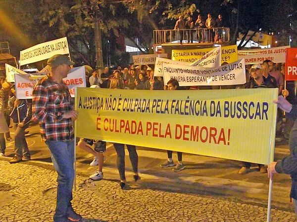 Manifestação ex-trabalhadores da Busscar – Setembro/2013