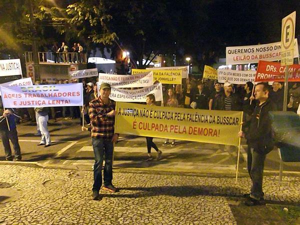 Manifestação ex-trabalhadores da Busscar - Setembro/2013
